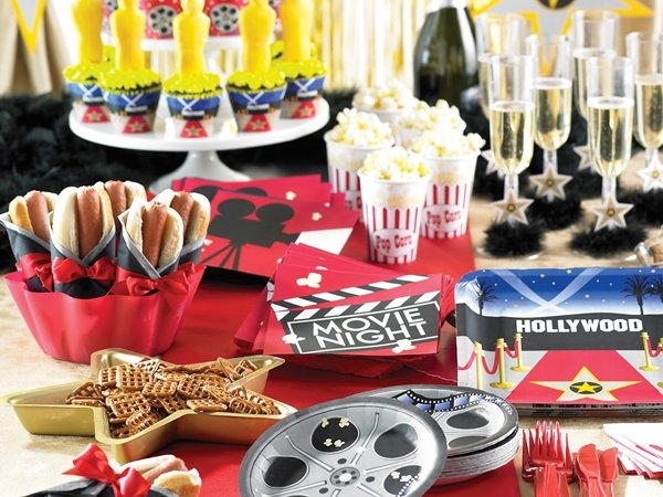 REEL Hollywood Party Supplies