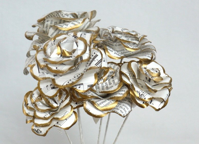 Golden flowers Sheet Music Centerpiece ideas