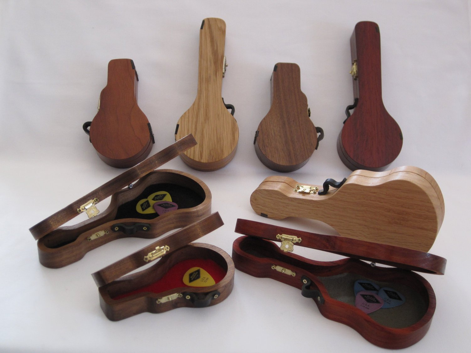Pick Cases shaped like Guitars Banjos & Mandolins