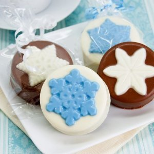 Snowflake Design Chocolate Covered Oreo Cookie