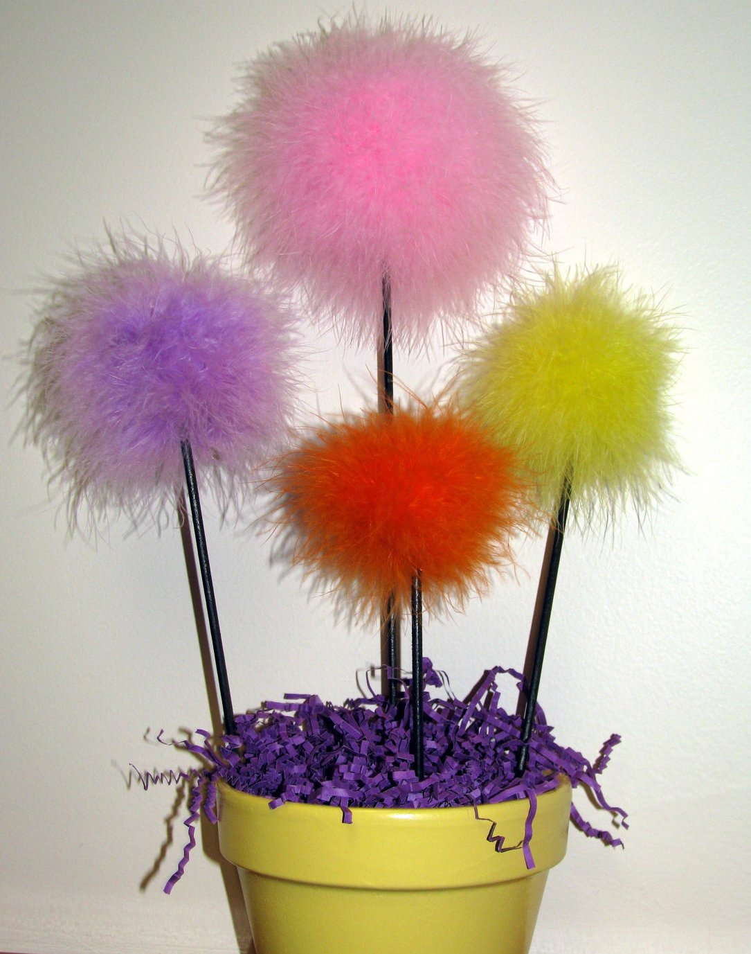 Maribou Feather Puff Purim Centerpiece