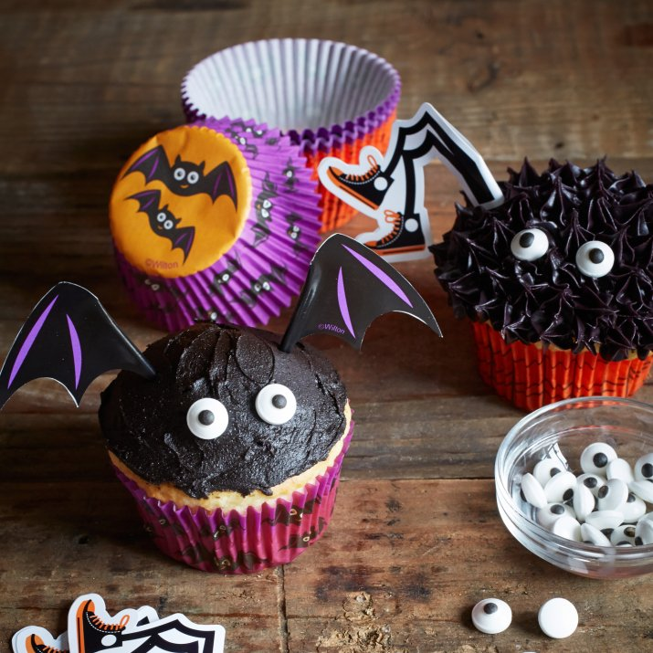 Wilton Halloween Bat Cupcake Decorating Kit