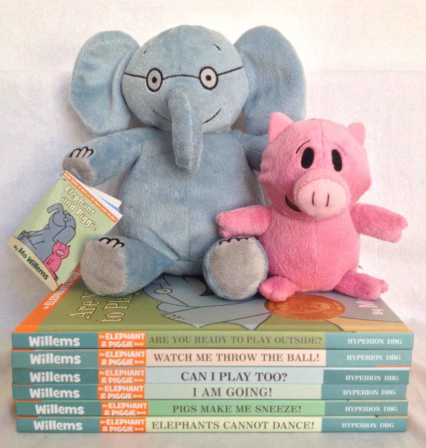 Mo Willems Elephant and Piggie Six Book Bundle with Plush Doll