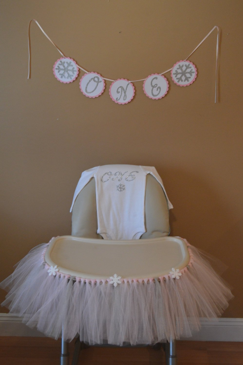 Winter-onderlandHigh Chair Tutu