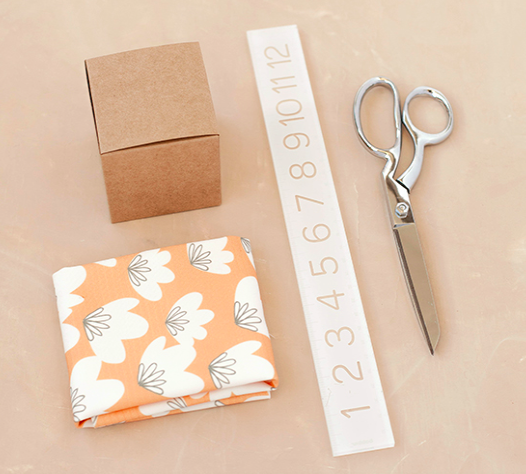 DIY- KNOTTED FABRIC-WRAPPED FAVOR BOXES Supplies