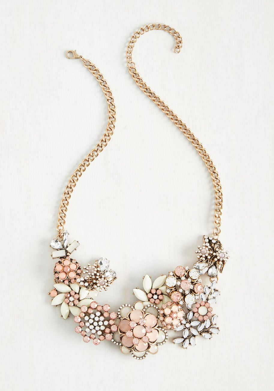Vow to Wow Statement Necklace in Carnation, gifts moms want